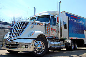 English: 2010 NaviStar International LoneStar ...
