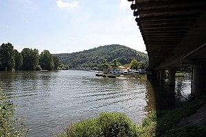Deutsch: Die Mündung der Tauber in den Main in...