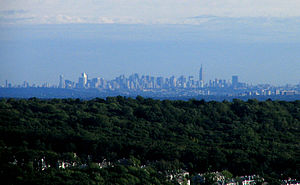 The Midtown Manhattan skyline as seen from Nor...