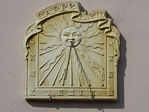 Sundial with the motto