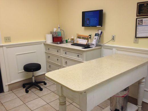 File:Veterinary Office.JPG