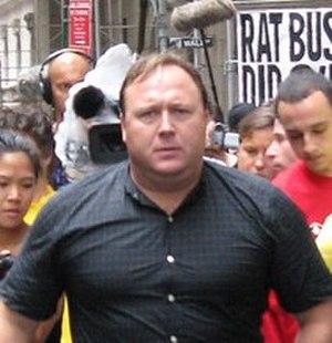 English: Alex Jones in Manhattan, New York City.