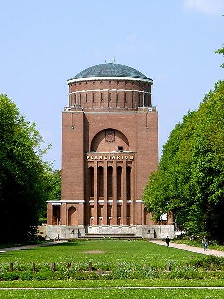 Datei:Hamburg Planetarium.jpg