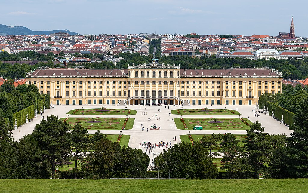 Schönbrunn Palace and the city of Vienna, view from Gloriette