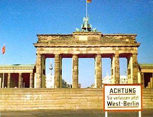 Berliner Mauer am Brandenburger Tor Juni 1976