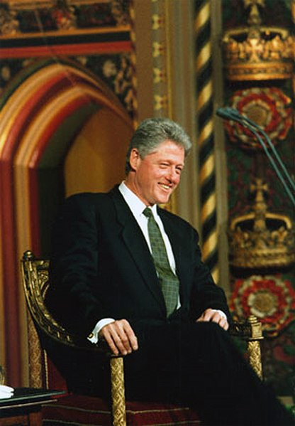 File:Bill Clinton 1995 im Parlament in London.jpg