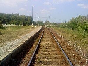 Magyar: Szőkédi kavicsos peron