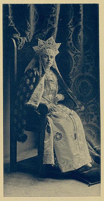 File:1903 ball - Emma Vlad. Frederix.jpg