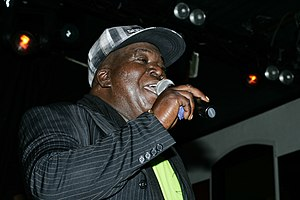English: Barrington Levy singing in Göra Källa...