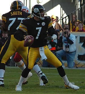 Ben Roethlisberger of the Pittsbrgh Steelers d...