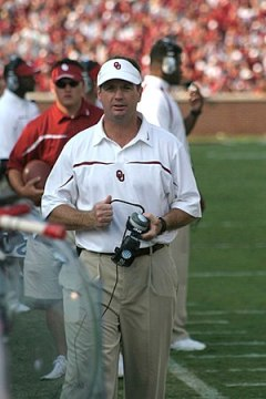 Bob Stoops, football head coach at the Univers...