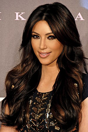 English: Kim Kardashian Fragrance Launch, Glen...