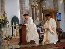 dont say good morning to begin mass filipino cardinal urges priests