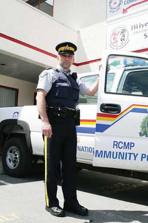 English: RCMP officer and truck