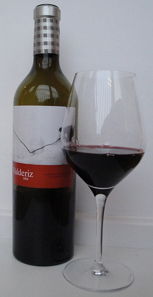 English: 2006 Valderiz, a wine from Ribera del...