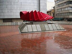 Español: Dinamismo, monumento conmemorativo de...
