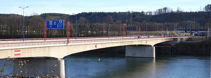 Datei:Rheinfelder Bruecke.jpg