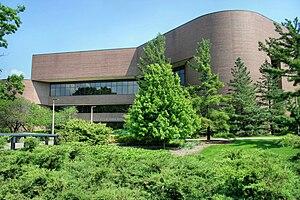 English: A photograph of the Wharton Center fo...