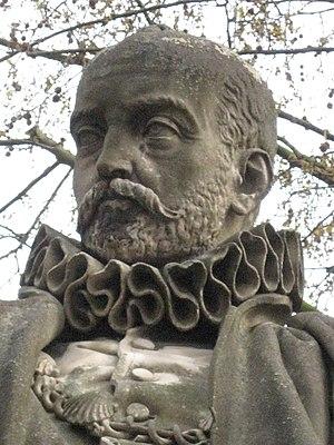 Michel Eyquem de Montaigne, statue sur l'Espla...