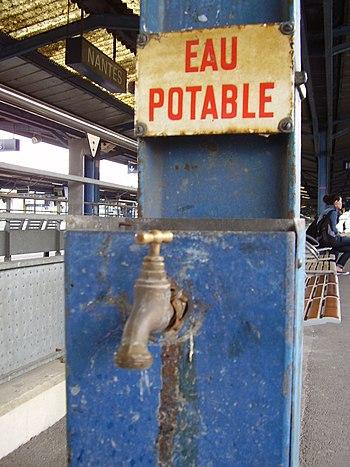 Drinking water, Gare de Nantes Français : Eau ...