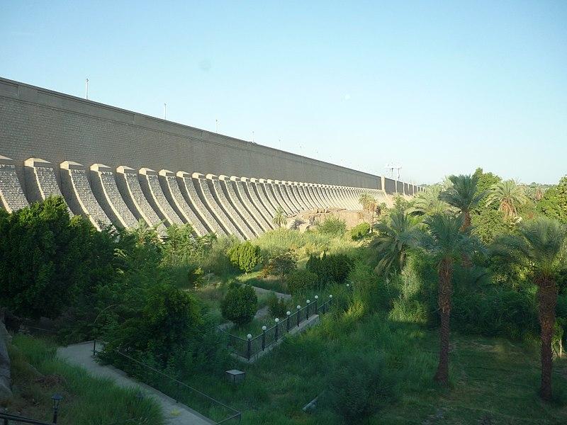 File:Aswan low dam2.JPG