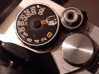 Dial del obturador en una Fujica STX-1.