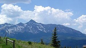 English: Mt Wilson viewed Leaving Telluride, C...