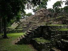 Sebuah piramid di kuil Maya, Yucatan