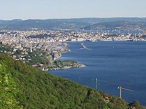 Mezza città Trieste