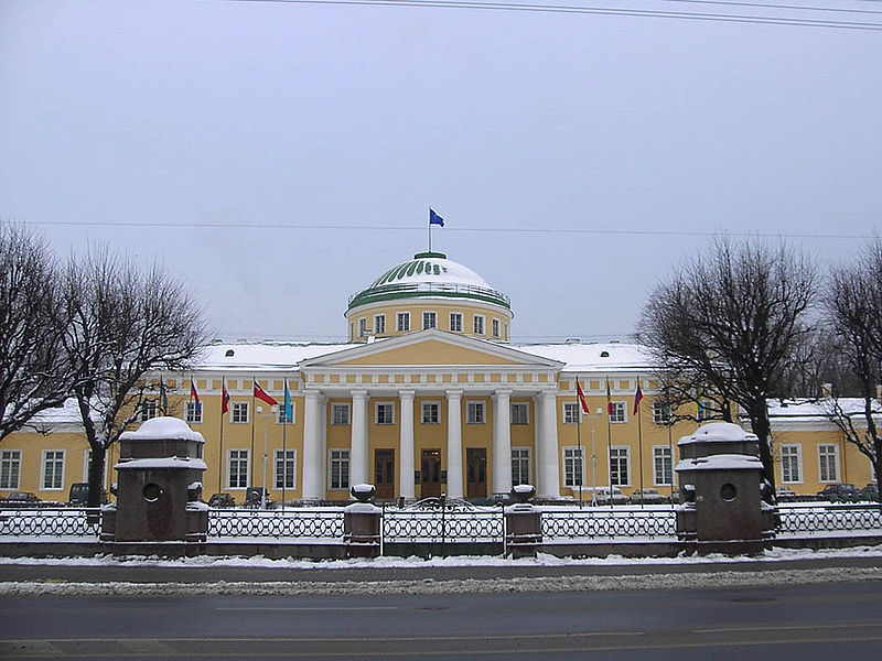 Tauride Palace - in 1917 at the same time the residence of the Provisional Government and the Petrograd Soviet.