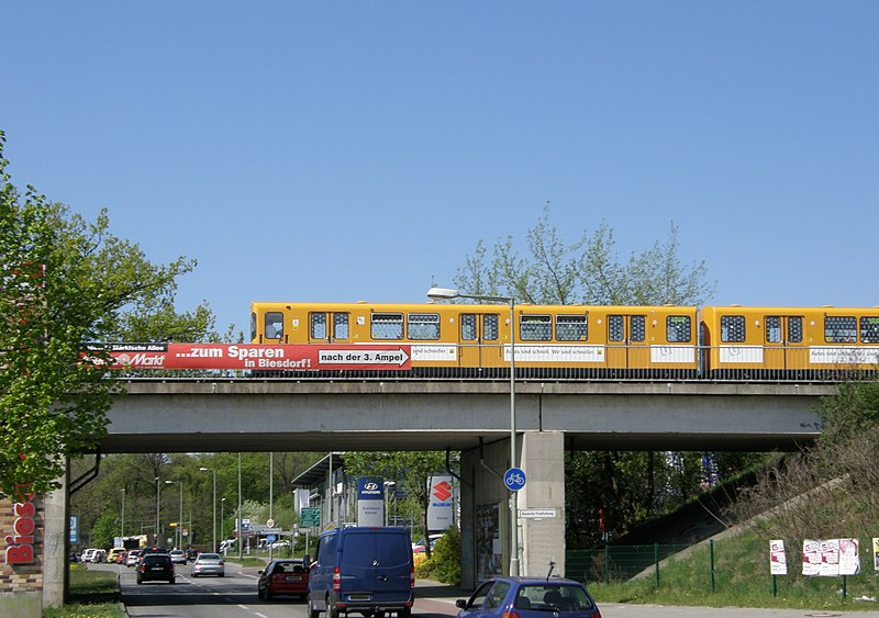 File:Alt-Biesdorf U-Bahn-brücke 2012-4-27 ama fec.jpg