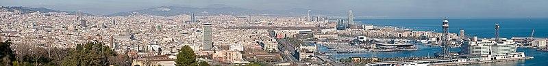 Barcelona Cityscape   (c) 2009 Diliff, Wikimedia Commons.