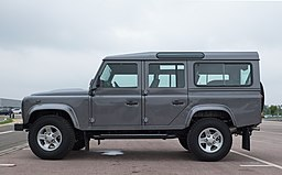 Land Rover Defender 110 Station Wagon 2016 - left side
