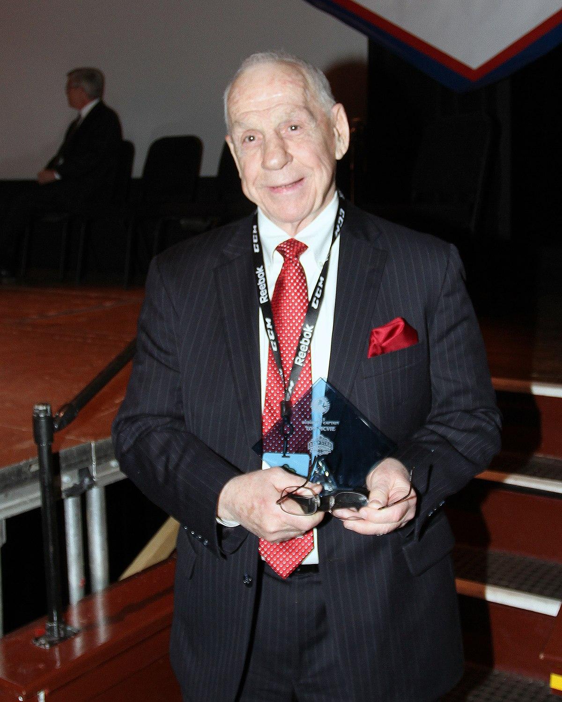 Tom McVie Wikipedia
