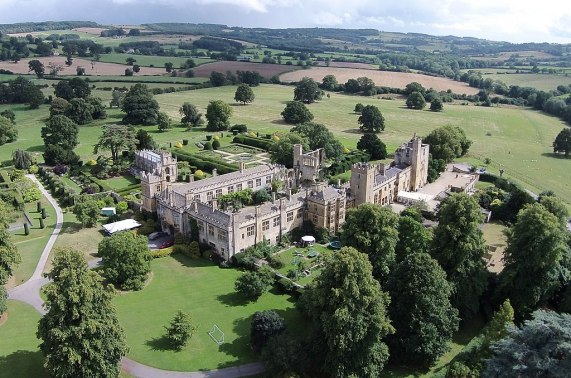 Aerial photo of Sudeley Castle