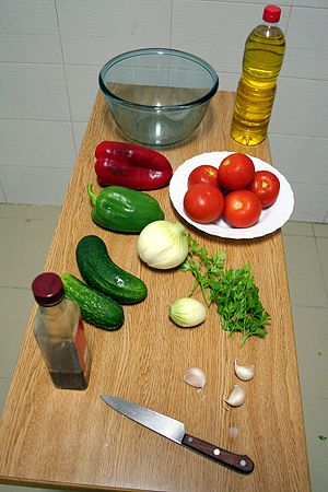 English: The ingredients for gazpacho soup. Es...
