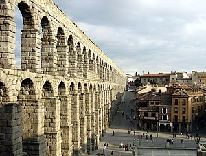 English: Aqueduct in Segovia, Spain Español: A...