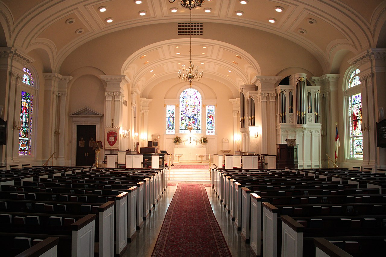 File An Interior View Of St Paul S Episcopal Church In
