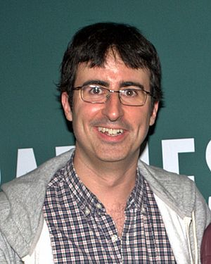 English: John Oliver at Barnes & Noble Union S...