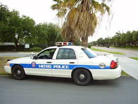 English: Police car used by Metropolitan Trans...
