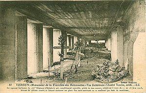 Français : Monument de la tranchée des Baïonne...