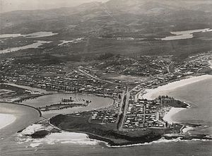 English: Aerial view looking towards Point Dan...