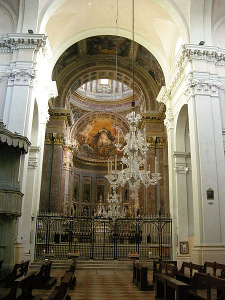 Plik: San Domenico, Bolonia, wnętrze, Ark św Dominika, kaplica z freskami przez Guido Reni 03.jpg