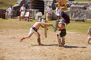 show fight in Carnuntum: thraex vs.