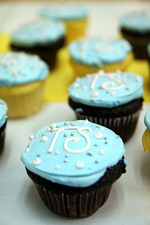 Blue cupcakes for graduation.