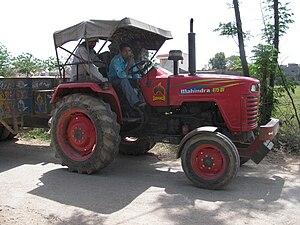 Mahindra 475 DI tractor in Jhampur, Punjab, In...