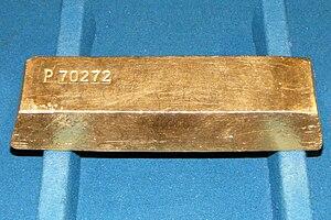 Deutsch: Goldbarren mit einem Gewicht von 12,5...