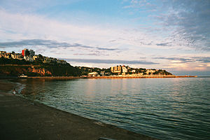 English: View of Torquay with strand