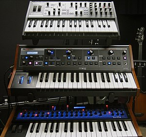 Virus, Moog, and Evolver Access Virus Indigo 2...