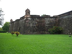 Vista Exterior del Fuerte de Omoa - Honduras. ...